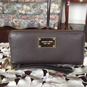 Michael kors saffiano leather zip around wallet